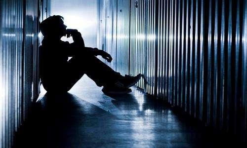 躁狂症有什么常见症状